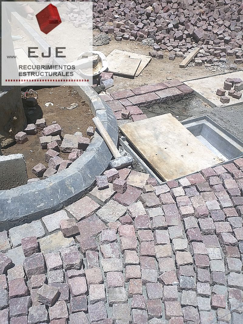 Precio adoquines de piedra latest piedra laja talamoye for Adoquines para jardin precio