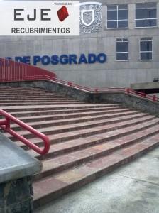 Escalera en la obra de la Unidad Mixta de Posgrado en la UNAM. Escalon de paladdium plus 30xll boleado