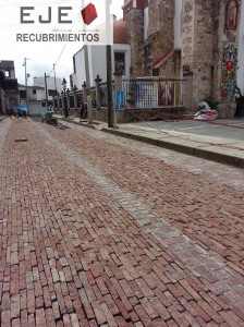 Almoloya de alquisiras, Pavimentación urbana con piedra pórfido Sestino rúsitco, cubico irregular, Paladdium Roma Clasico