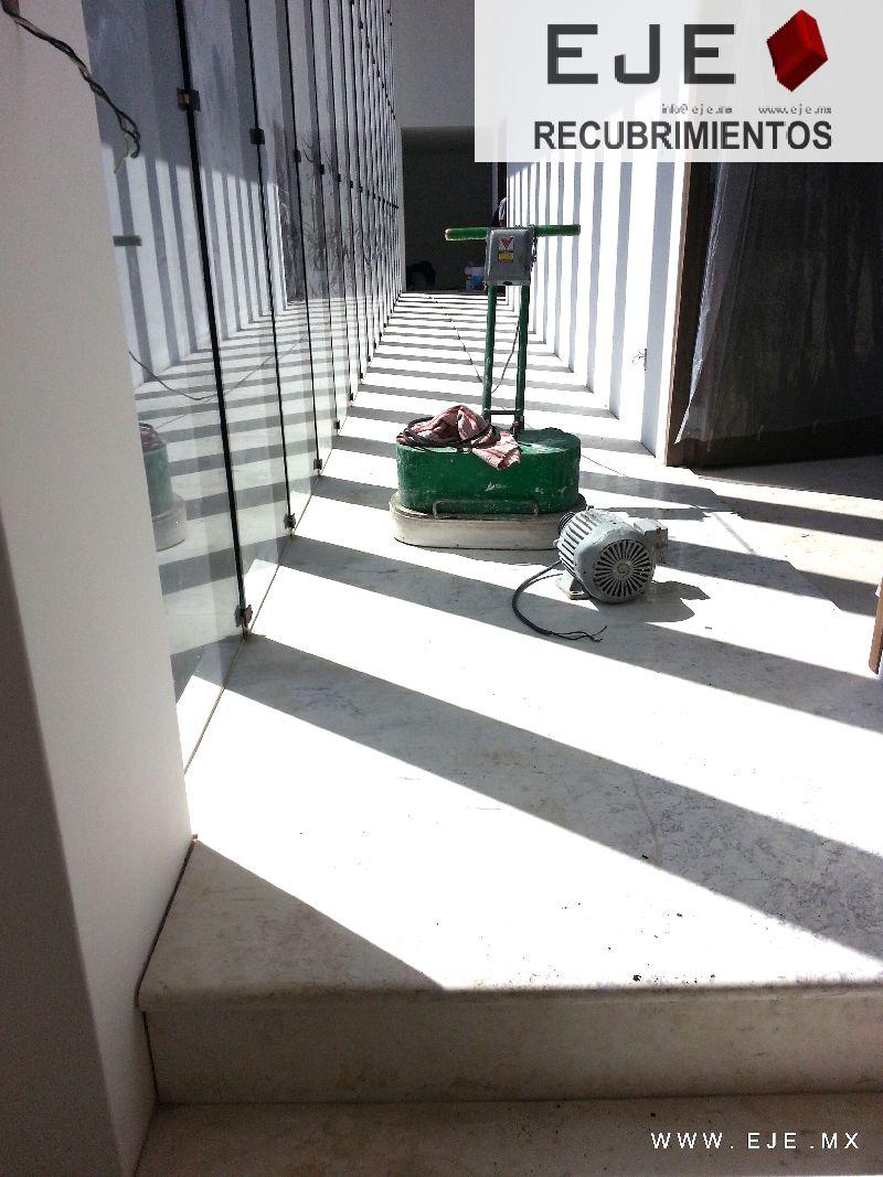 Eje recubrimientos obra residencia hacienda vallescondido for Como brillar pisos de marmol